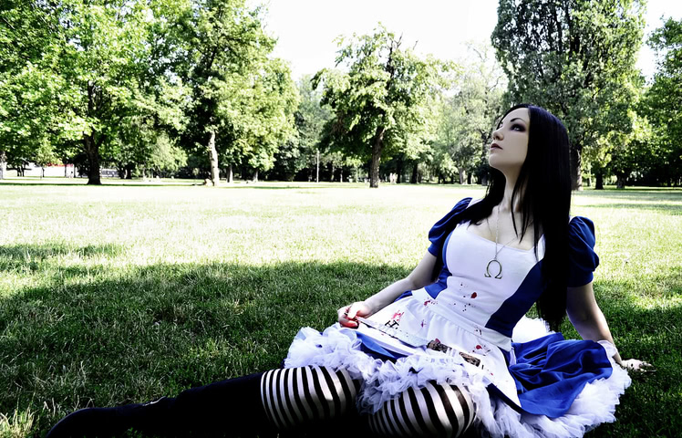alice cosplay madness