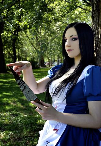 алиса игра косплей