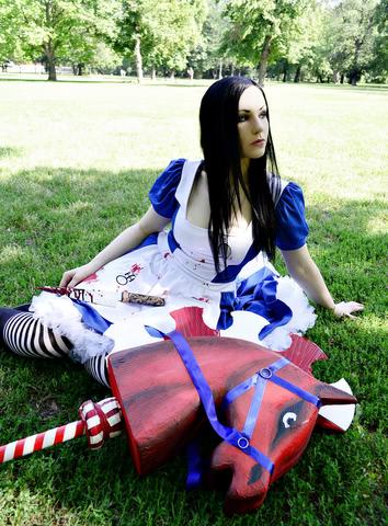 alice liddell cosplay