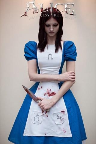 Молева косплей Алисы