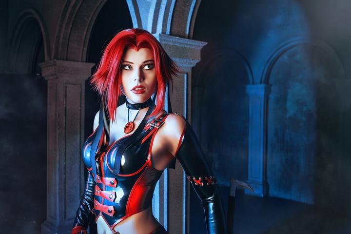 Rayne by iChios (BloodRayne) cosplay 4