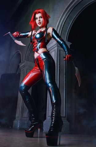 Rayne by iChios (BloodRayne) cosplay 5