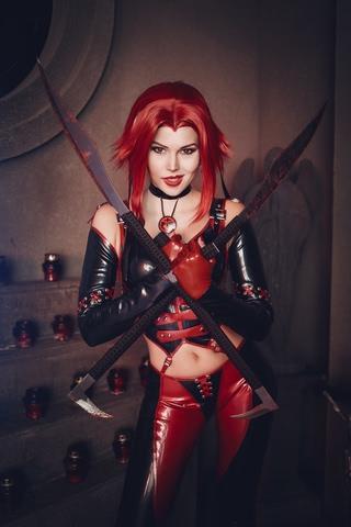 Rayne by iChios (BloodRayne) cosplay 7
