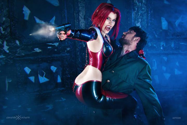 Rayne by iChios (BloodRayne) cosplay 9