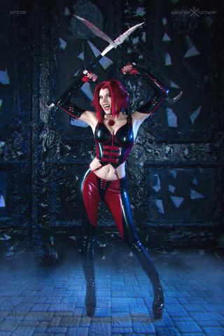 Rayne by iChios (BloodRayne) cosplay 10