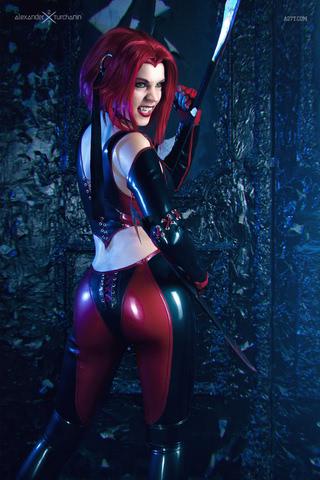 Rayne by iChios (BloodRayne) cosplay 11