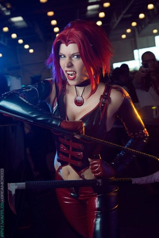 Rayne by iChios (BloodRayne) cosplay 12