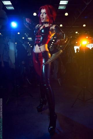 Rayne by iChios (BloodRayne) cosplay 15