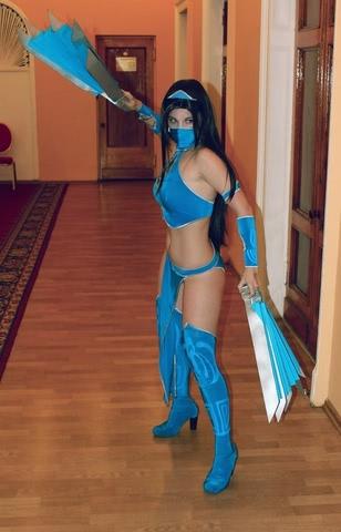 Kitana by anastasya zelenova (Mortal Kombat) cosplay 1