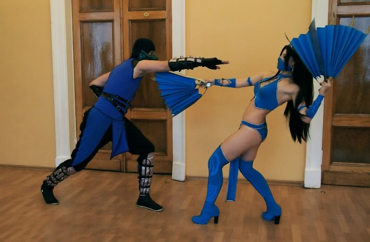 Kitana by anastasya zelenova (Mortal Kombat) cosplay 2