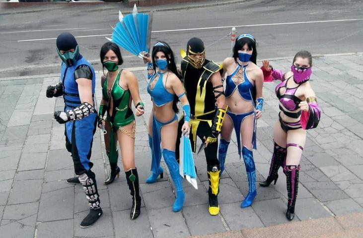 Kitana by anastasya zelenova (Mortal Kombat) cosplay 4