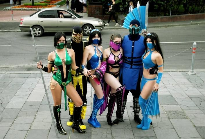 Kitana by anastasya zelenova (Mortal Kombat) cosplay 5