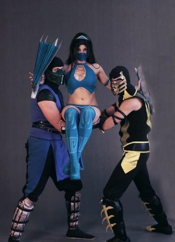Kitana by anastasya zelenova (Mortal Kombat) cosplay 8