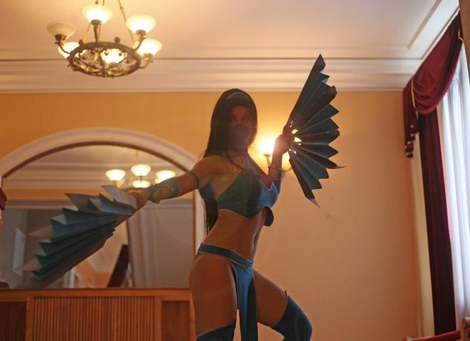 Kitana by anastasya zelenova (Mortal Kombat) cosplay 11