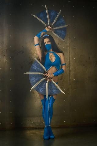 Kitana by anastasya zelenova (Mortal Kombat) cosplay 15