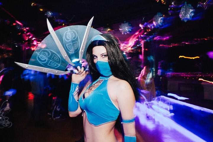 Kitana by anastasya zelenova (Mortal Kombat) cosplay 35