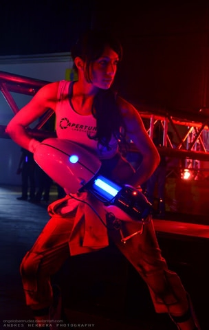 Chell by Angela Bermudez (Portal) cosplay 2