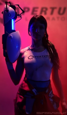 Chell by Angela Bermudez (Portal) cosplay 7