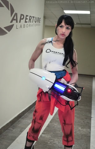 Chell by Angela Bermudez (Portal) cosplay 10