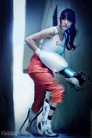 Chell by Angela Bermudez (Portal) cosplay 11