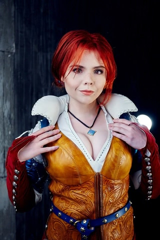 Triss by Fenix Fatalist (Witcher 3) cosplay 16