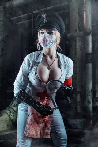 Butcheress by Elena Samko (BloodRayne) cosplay 6
