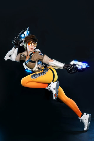 Tracer by TashaCosplay (Overwatch) cosplay 3