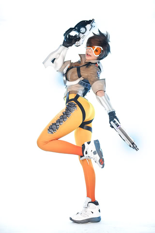 Tracer by TashaCosplay (Overwatch) cosplay 7