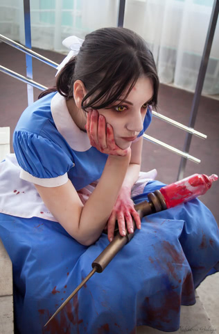 Little sister by Amiko-chan (Bioshock) cosplay 11