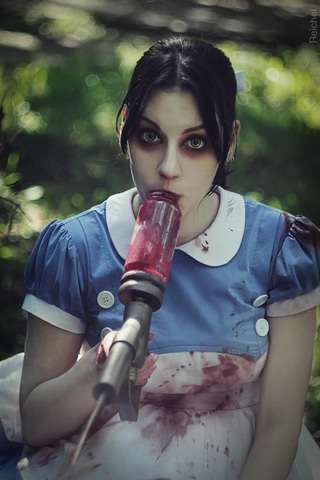 Little sister by Amiko-chan (Bioshock) cosplay 14