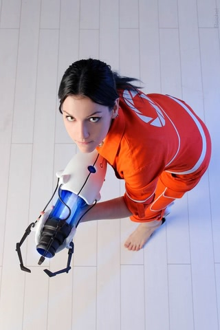 Chell by Amiko-chan (Portal 2) cosplay 4
