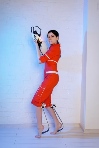 Chell by Amiko-chan (Portal 2) cosplay 6