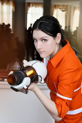 Chell by Amiko-chan (Portal 2) cosplay 13