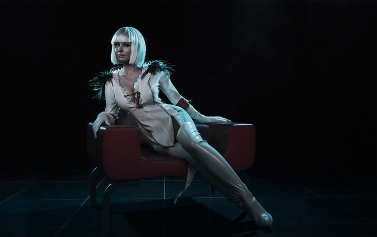 Gloria by Candy (DMC 4) cosplay 2