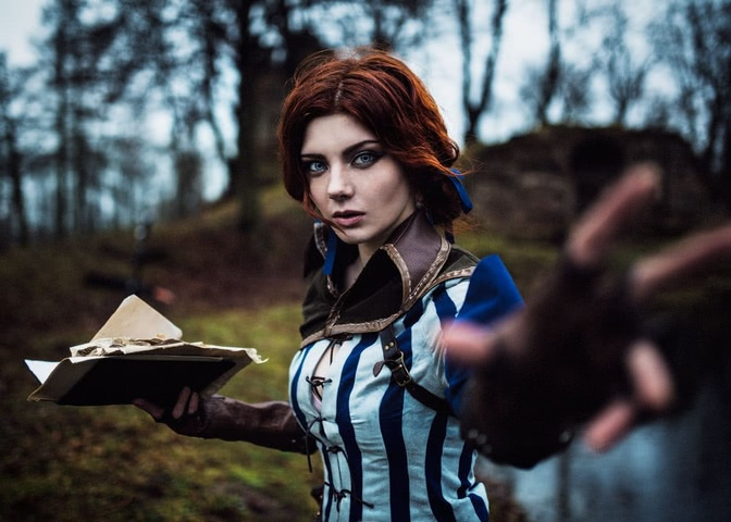 Triss by mellu (Witcher 3) cosplay 12