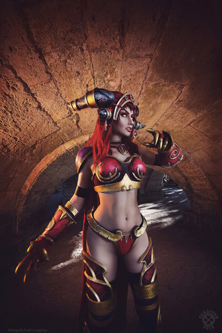 Alexstrasza by Narga-Lifestream (World of Warcraft) cosplay 3