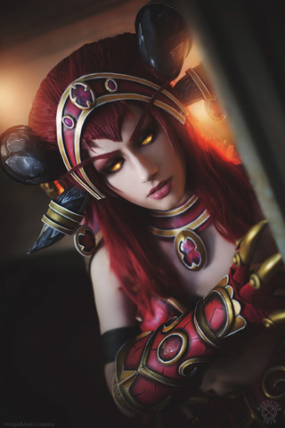 Alexstrasza by Narga-Lifestream (World of Warcraft) cosplay 12