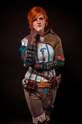 Triss by MadameSkunk (Witcher 3) cosplay 3