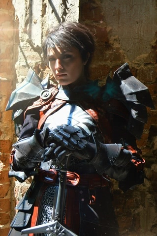 Cassandra Pentaghast by Dark Incognito (Dragon Age II) cosplay 2
