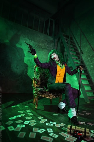 Joker by Dark Incognito (Batman) cosplay 11
