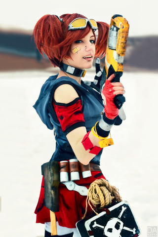Gaige-the-Mechromancer-by-Amiko-chan-Borderlands-2-cosplay-2