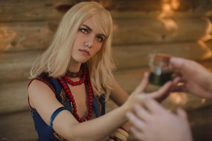 Keira Metz by Lyumos (Witcher 3) cosplay 2