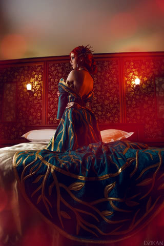 the_witcher_3___triss_merigold_cosplay_by_disharmonica-dar4zw6