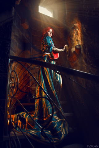 the_witcher_3___triss_merigold_cosplay_by_disharmonica-danx595