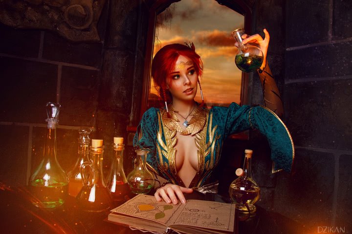 the_witcher_3___triss_merigold_cosplay_by_disharmonica-danx58m