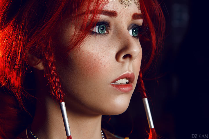 the_witcher_3___triss_merigold_cosplay_by_disharmonica-danx58f