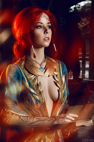 the_witcher_3___triss_merigold_cosplay_by_disharmonica-danx582